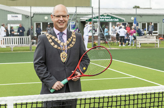 Mayor opens new courts